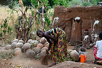 BURKINA FASO , Gaoua, Kampti, Lobi culture, Lobi is an ethnic group and they are animist and worship ancestor spirit, village KWEKWERA ( KOUEKOUERA ), fetish maker DA LEPIRTHE / Lobi Ethnie, Lobi sind Animisten und praktizieren Ahnenkulte, Dorf KWEKWERA ( KOUEKOUERA ), Fetischmeister DA LEPIRTHE