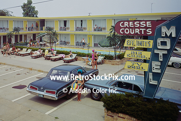 Cresse Courts Motel, Wildwood, NJ - Exterior & Neon Sign