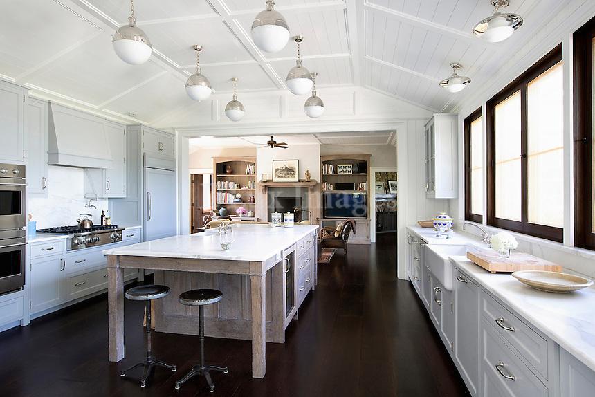 Country style white kitchen