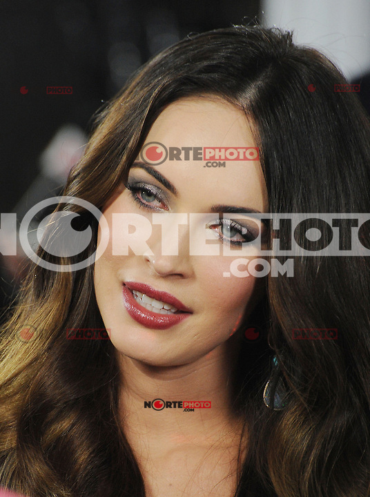 HOLLYWOOD, CA - DECEMBER 12: Megan Fox arrives at the 'This Is 40' - Los Angeles Premiere at Grauman's Chinese Theatre on December 12, 2012 in Hollywood, California.PAP1212JP349.PAP1212JP349. /NORTEPHOTO/nortephoto@gmail.com