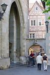 DEU, Deutschland, Baden-Wuerttemberg, Ueberlingen am Bodensee: Altstadt beim Muenster St. Nikolaus | DEU, Germany, Baden-Wuerttemberg, Ueberlingen at Lake Constance: old town, centre