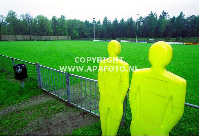 Hoenderloo , 030500 , foto : APA foto<br />Het voetbalveld ligt er nu nog verlaten bij.