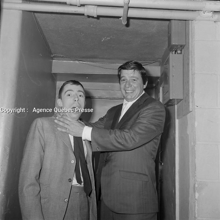 Le chanteur et comedien Claude Blanchard et Gilles Latulippe<br />  (date exacte inconnue)<br /> <br /> PHOTO :  Agence Quebec Presse - Roland Lachance