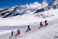 Wintersport auf dem Jungfraujoch, Berner Oberland,Schweiz,  Unesco-Weltkulturerbe