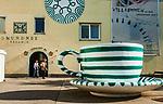 Oesterreich, Oberoesterreich, Salzkammergut, Gmunden am Traunsee: Gmundner Keramik - Fabrikverkauf | Austria, Upper Austria, Salzkammergut, Gmunden at Traun Lake: Gmundner Ceramics - factory outlet