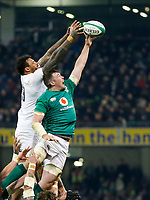 Saturday 2nd February 2019 | Ireland vs England<br /> <br /> Peter O'Mahony beats Courtney Lawes to the ball during the opening Guinness 6 Nations clash between Ireland and England at the Aviva Stadium, Lansdowne Road, Dublin, Ireland.  Photo by John Dickson / DICKSONDIGITAL