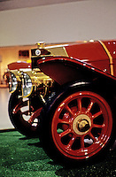 Classics: Isotta-Fraschini, front in profile.