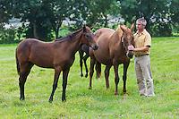 Europe/France/Normandie/Basse-Normandie/50/Manche/Baie du Mont Saint-Michel/Pontorson: André-Jean Belloir: Eleveur de chevaux de course: Elevage de la baie, avec ses poulinières<br /> <br /> Àuto N°:  2012-436<br /> // France, Manche, Bay of Mont Saint Michel, Pontorson: André-Jean Belloir: Breeder of race horses: Elevage de la baie