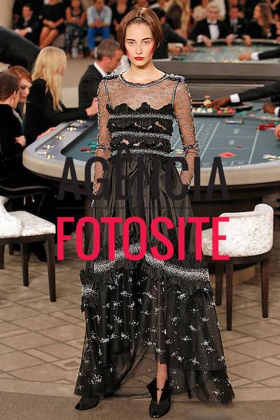 Chanel<br /> <br /> Alta Costura- Inverno 2015 - Julho/2015