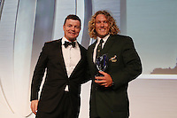 LONDON, ENGLAND - NOVEMBER 01:  Werner Kok (R) of South Africa receives the Men's 7's Player of the Year award from Brian O'Driscoll during the World Rugby Awards 2015 at Battersea Evolution on November 1, 2015 in London, England.  (Photo: World Rugby)