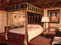Hearst Castle: South Gothic Bedroom  (Finley-Holiday Films)