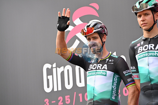 Peter Sagan (SVK) and Bora-Hansgrohe at sign on before the start of Stage 4 of the 103rd edition of the Giro d'Italia 2020 running 140km from Catania to Villafranca Tirrena, Sicily, Italy. 6th October 2020.  <br /> Picture: LaPresse/Gian Mattia D'Alberto | Cyclefile<br /> <br /> All photos usage must carry mandatory copyright credit (© Cyclefile | LaPresse/Gian Mattia D'Alberto)