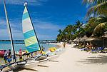 MUS, Mauritius, Grand Baie: Beachcomer Le Mauricia Hotel - Strand | MUS, Mauritius, Grand Baie: Beachcomer Le Mauricia Hotel - beach