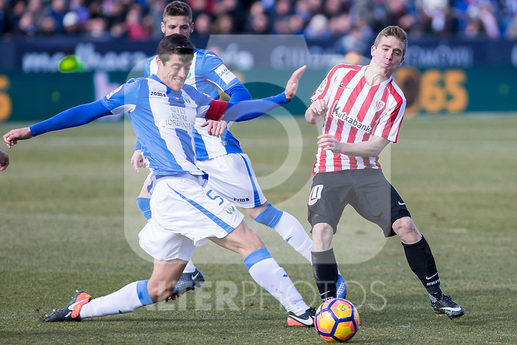 Club Deportivo Leganes's Martin Mantovani, Atletic de Bilbao's Iker Muniain  during the match of La Liga between Leganes and Athletic Club at Butarque Stadium  in Madrid , Spain. January  14, 2017. (ALTERPHOTOS/Rodrigo Jimenez)