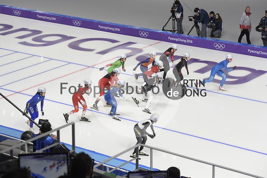 OLYMPIC GAMES: PYEONGCHANG: 24-02-2018, Gangneung Oval, Long Track, Start Mass Start Ladies, ©photo Martin de Jong