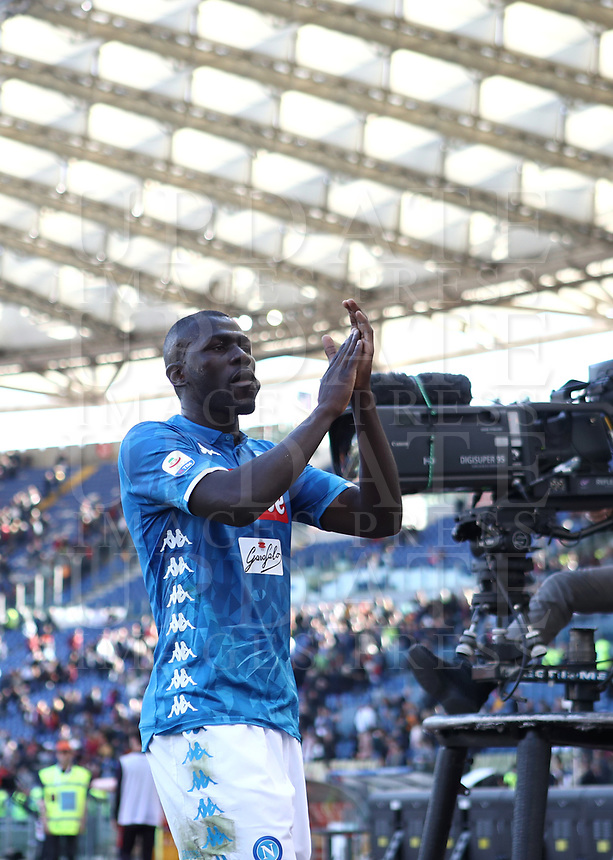 Football, Serie A: AS Roma - SSC Napoli, Olympic stadium, Rome, March 31, 2019. <br /> Napoli's Kalidou Koulibaly celebrates after winning 4-1the Italian Serie A football match between Roma and Napoli at Olympic stadium in Rome, on March 31, 2019.<br /> UPDATE IMAGES PRESS/Isabella Bonotto