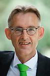 Foto: VidiPhoto<br /> <br /> EDE – Portret van Dick Oosthoek, directeur van de Stichting Groenkeur.