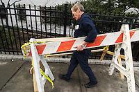 Barricades; Fourth Ave. (near E10th St.), East Village; 141pm, 09mar2006
