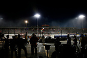 #18: Noah Gragson, Kyle Busch Motorsports, Toyota Tundra Safelite AutoGlass pit stop