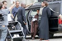 TOURNAGE DU FILM CHRIST OFF DANS LES RUES DE CLERMONT DE L'OISE . MICHAEL YOUN , LUCIEN JEAN BAPTISTE