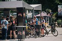 Roberto Ferrari (ITA/UAE-Emirates) & Oliviero Troia (ITA/UAE-Emirates) dropping off in the Village Départ for a quick pre-stage coffee<br /> <br /> Stage 4: La Baule > Sarzeau (192km)<br /> <br /> 105th Tour de France 2018<br /> ©kramon