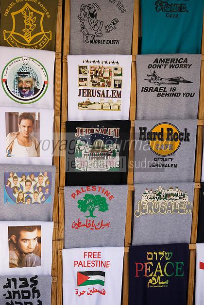 Asie/Israël/Judée/Jérusalem: Marchand de Tee shirt à Jérusalem