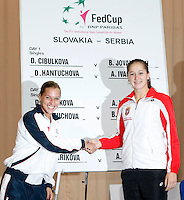 Tenis, Fed Cup 2011, play-off for group A.Slovakia Vs. Serbia, Official Draw.Dominika Cibulkova, left and Bojana Jovanovska.Bratislava, 15.04.2011..foto: Srdjan Stevanovic/Starsportphoto ©