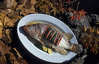 Asie/Chine/Jiangsu/Nankin: Cuisine chinoise: Préparation du poisson typique de la cuisine de Nankin<br /> PHOTO D'ARCHIVES // ARCHIVAL IMAGES<br /> CHINE 1990