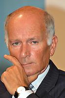 Roma 10 09 2004 Dibattito:Competitivita' e solidarieta':un equilibrio possibile?Luciano Petracchi  Presidente Confartigianato                     photo:Serena Cremaschi Insidefoto