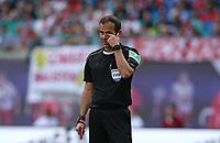 05.05.2018, Football 1. Bundesliga 2017/2018, 33.  match day, RB Leipzig - VfL Wolfsburg, in Red Bull Arena Leipzig. referee Marco Fritz  *** Local Caption *** © pixathlon<br /> <br /> Contact: +49-40-22 63 02 60 , info@pixathlon.de