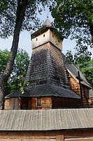 Erzengel Michael-Kirche (kościół św. Michała Archanioła) in Binarowa, Woiwodschaft Kleinpolen (Województwo małopolskie), Polen, Europa, UNESCO-Weltkulturerbe<br /> Wooden church Archangel Michael in Binarowa, Poland, Europe, UNESCO heritage site