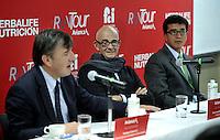 BOGOTA - COLOMBIA - 10-02-2016: Alvaro Jaramillo Buitrago (Cent.) Presidente (E) de  Avianca,  Santiago Cabrera (Izq.) Director Fundacion CardioInfantil y Ciro Solano (Der.) Vicepresidente Federacion Colombiana de Atletismo, durante rueda de prensa,  en la presentación de la carrera Avianca RunTour 2016. La Aerolinea Avianca por cuarto  año consecutivo  organiza el RunTour, a beneficio de los niños de la Unidad Especializada de Cuidados Intensivos Cardiovascular Pedriatica  de la Fundacion CardioInfantil,  que se disputara el el domingo 6 de marzo en una distancia de (6.2 M) 10 Kilometros.   / Alvaro Jaramillo Buitrago (C) President (E) of  Avianca, Santiago Cabrera (L) Directed Cardioinfantil Foundation, and Ciro Solano (L) Vice President of Federacion Colombiana  Athletics, during a news conference in the presentation of the race Avianca  RunTour 2016. The Aeroline Avianca organizes for the fourth consecutive year the RunTour, to benefit the children of the Specialized Cardiovascular Intensive Care Unit Pedriatica Cardioinfantil Foundation, which will be played on Sunday March 6 at a distance of (6.2 M)10 Kilometers. Photos: VizzorImage / Luis Ramirez / Staff.