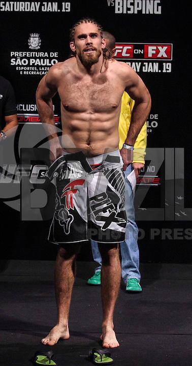 SAO PAULO, SP, 18 DE JANEIRO 2013 - PESAGEM UFC - Andrew Craig peso medio durante pesagem do UFC (Ultimate Fighting Champion) no Ginasio do Ibirapuera na tarde desta sexta-feira, a luta acontece amanha 19 janeiro no mesmo local. FOTO: VANESSA CARVALHO - BRAZIL PHOTO PRESS.