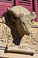 Europe/France/Midi-Pyrénées/82/Tarn-et-Garonne/ Valence-d'Agen: L'ancien abbatoir public - Détail Tête de Boeuf au fronton