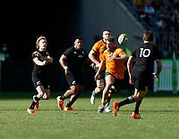 5th September 2021; Optus Stadium, Perth, Australia: Bledisloe Cup international rugby, Australia versus New Zealand; Damian McKenzie of the All Blacks passes to Beauden Barrett