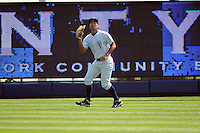 Staten Island Yankees outfielder Danny Oh (58) during game against the Auburn Doubledays at Richmond County Bank Ballpark at St.George on August 2, 2012 in Staten Island, NY.  Auburn defeated Staten Island 11-3.  Tomasso DeRosa/Four Seam Images