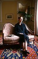 Tilda Swinton, all'anagrafe Katherine Matilda Swinton, è un'attrice britannica. Ha esordito nel 1986 con il film Caravaggio di Derek Jarman. Nel 1992 ha interpretato Isabella di Francia in Edoardo II, per il quale vince la Coppa Volpi alla miglior attrice alla Mostra del cinema di Venezia. Lido, 5 settembre 1998. Photo by Leonardo Cendamo/Getty Images