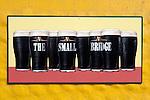 Ireland, The Dingle Peninsula, Dingle: Irish pub sign with Guinness | Irland, Dingle Halbinsel, Dingle: Guinness Bier Schild