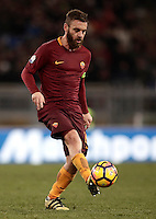 Calcio, ottavi di finale di Tim Cup: Roma vs Sampdoria. Roma, stadio Olimpico, 19 gennaio 2017.<br /> Roma's Daniele De Rossi in action during the Italian Cup round of 16 football match between Roma and Sampdoria at Rome's Olympic stadium, 19 January 2017.<br /> UPDATE IMAGES PRESS/Isabella Bonotto