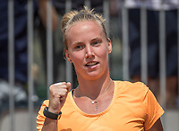 Paris, France, 28 May, 2017, Tennis, French Open, Roland Garros, Richel Hogenkamp (NED) jubilates her win over Jankovic<br /> Photo: Henk Koster/tennisimages.com