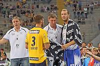 Trainer Christian Gaudin und Pascal Hens (HSV) mit Uwe Gensheimer (Löwen) - Tag des Handball, Rhein-Neckar Löwen vs. Hamburger SV, Commerzbank Arena