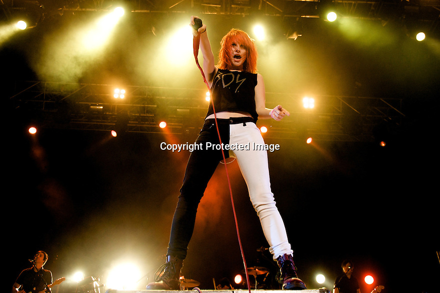 MADRID, SPAIN - JULY 11:  Hayley Williams of Paramore perfoms on stage at Palacio de Vistalegre on July 11, 2011 in Madrid, Spain.
