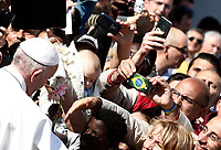 Pope Francis greats faithful as he arrives to visit the Basilica of San Bartolomeo on the Tiber Island in Rome. April 22, 2017.<br /> UPDATE IMAGES PRESS/Isabella Bonotto/POOL<br /> <br /> STRICTLY ONLY FOR EDITORIAL USE