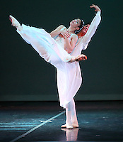 CALI - COLOMBIA- 03-06-2013: El Grupo de ballet Italiano Dansepartout , fundado en 2006 debuto en el Salermo Arts Theatre, en mayo de 2007 con las Islas Terpsicore espectáculo con coreografía de  Luc Bouy su director artístico. En 2008 en la formación y las relaciones con operadores del sector el director artístico de la compañía  diseña y fabrica una revisión nacional de las escuelas de danza, Stage de Navidad, que se celebro en el Teatro Comunale di Mercado San Severino. En el 2009 se involucro en la nueva producción se la serie Ne Me Quitte Pas, coreografiado y dirigido por Luc Bouy con el debut en el teatro Griego de Roma . Además a tenido a su cargo grandes obras como Carminia Burana entre otras. (Foto: VizzorImage / Juan C. Quintero / Str.).  The Italian ballet Dansepartout Group, founded in 2006 debuted at Salerno Arts Theatre in May 2007 with Terpsicore Islands show choreographed by artistic director Luc Bouy. In 2008 in the training and relationships with industry operators artistic director of the company designs and manufactures a national review of dance schools, Stage Christmas, which was held at the Teatro Comunale di San Severino Market. In 2009 he was involved in the new production series Ne Me Quitte Pas, choreographed and directed by Luc Bouy with Greek theater debut in Rome. Also been responsible for great works like Carminia Burana among others. (Photo: VizzorImage / John C. Quintero / Str).