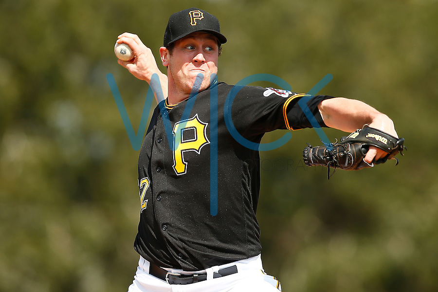 Rob Scahill #52 of the Pittsburgh Pirates works out during spring training at Pirate City in Bradenton, Florida on February 23, 2016. (Photo by Jared Wickerham / DKPS)