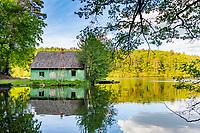 Fischerhaus und Boote am Hammersee, Siehdichum, Naturpark Schlaubetal, Oder-Spree, Brandenburg, Deutschland