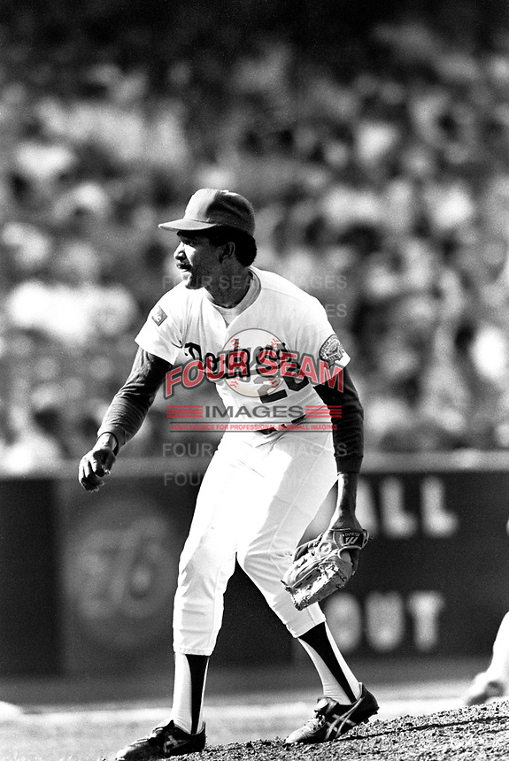 Los Angeles Dodgers pitcher Alejandro Pena #26 during a game against the New York Mets at Dodger Stadium during the 1987 season in Los Angeles,California.(Larry Goren/Four Seam Images)