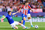 Saul Niguez Esclapez (r) of Atletico de Madrid battles for the ball with Jamie Vardy of Leicester City during their 2016-17 UEFA Champions League Quarter-Finals 1st leg match between Atletico de Madrid and Leicester City at the Estadio Vicente Calderon on 12 April 2017 in Madrid, Spain. Photo by Diego Gonzalez Souto / Power Sport Images