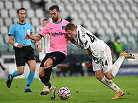Football Soccer: UEFA Champions League -Group Stage-  Group G - Juventus vs FC Barcellona, Allianz Stadium. Turin, Italy, October 28, 2020.<br /> Juventus' Dejan Kulusevski (r) in action with Barcellona's Miralem Pjanic (l) during the Uefa Champions League football soccer match between Juventus and Barcellona at Allianz Stadium in Turin, October 28, 2020.<br /> UPDATE IMAGES PRESS/Isabella Bonotto