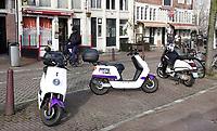 Nederland  Amsterdam   feb. 2021. Check verhuurt elektrische deelscooters.   Foto Berlinda van Dam / HH / ANP.